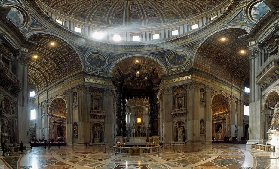 Baldaquino, projetado por Bernini
