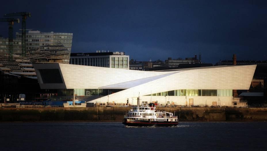 """<strong>Museum of Liverpool, Reino Unido</strong>            <a href=""""http://viajeaqui.abril.com.br/cidades/reino-unido-liverpool"""" rel=""""Liverpool """">Liverpool </a>tem bem mais a oferecer que tours fajutos dos Fab Four. Seu conjunto notável de museus é capitaneado pelo Museum of Liverpool, dedicado à história local, patrimônio da humanidade pela Unesco. O projeto ficou a cargo da 3XN, escritório que ganhou notoriedade com a premiada sala de concertos Muziekgebouw aan t IJ de <a href=""""http://viajeaqui.abril.com.br/cidades/holanda-amsterda"""" rel=""""Amsterdã"""">Amsterdã</a>"""