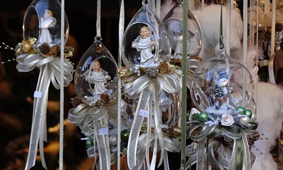 Detalhe de uma das barracas da feira de Natal em Salzburg, Áustria