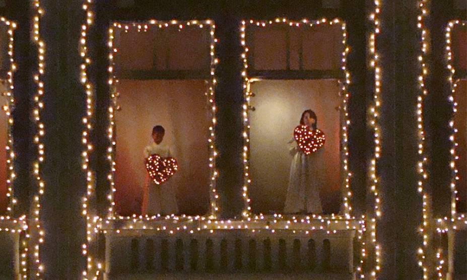 Apresentação em dezembro de 2011 do Coral das Crianças no Palácio Avenida, na Rua das Flores, Curitiba (PR)
