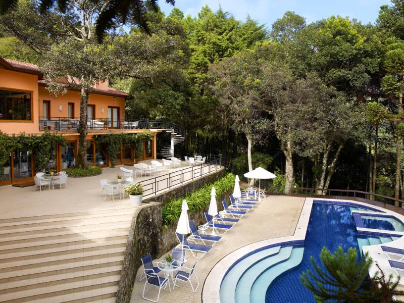 Piscina do hotel Kuriuwa, em Monte Verde, Minas Gerais