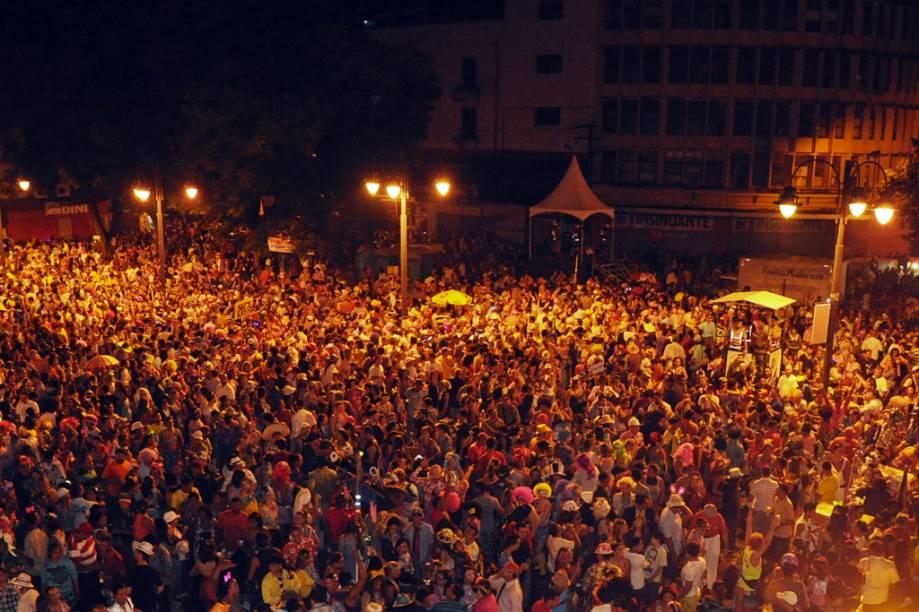 """Bloco Cafucu na Folia de Rua de 2012, em <a href=""""http://viajeaqui.abril.com.br/cidades/br-pb-joao-pessoa"""" rel=""""João Pessoa"""" target=""""_blank"""">João Pessoa</a>, <a href=""""http://viajeaqui.abril.com.br/estados/br-paraiba"""" rel=""""Paraíba"""" target=""""_blank"""">Paraíba</a>"""