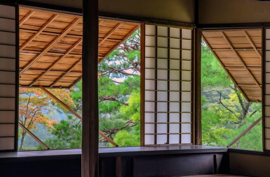 """<strong>Shugakuin Imperial Villa, <a href=""""http://viajeaqui.abril.com.br/cidades/japao-kyoto"""" rel=""""Kyoto"""" target=""""_blank"""">Kyoto</a>, <a href=""""http://viajeaqui.abril.com.br/paises/japao"""" rel=""""Japão"""" target=""""_blank"""">Japão</a></strong>                ... assim como as do estilo shoji,de madeira e papel, características do Japão.<!--[if !supportLineBreakNewLine]--><!--[endif]-->"""