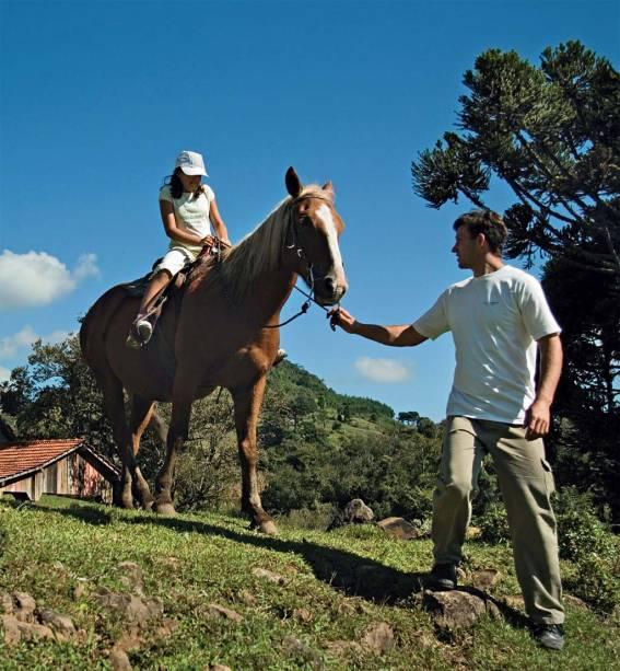Cavalgada entre as araucárias da La Hacienda, em Gramado