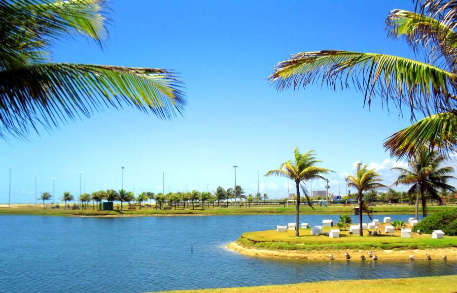 """Por suas orlas e ruas, é possível encontrar iniciativas que priorizam a qualidade de vida de moradores e turistas de <strong><a href=""""http://viajeaqui.abril.com.br/cidades/br-se-aracaju"""" rel=""""Aracaju"""" target=""""_self"""">Aracaju</a></strong>. Entre eles, os lagos artificiais na região de seu <a href=""""http://viajeaqui.abril.com.br/estabelecimentos/br-se-aracaju-atracao-oceanario-de-aracaju"""" rel=""""Oceanário"""" target=""""_self"""">Oceanário</a>"""