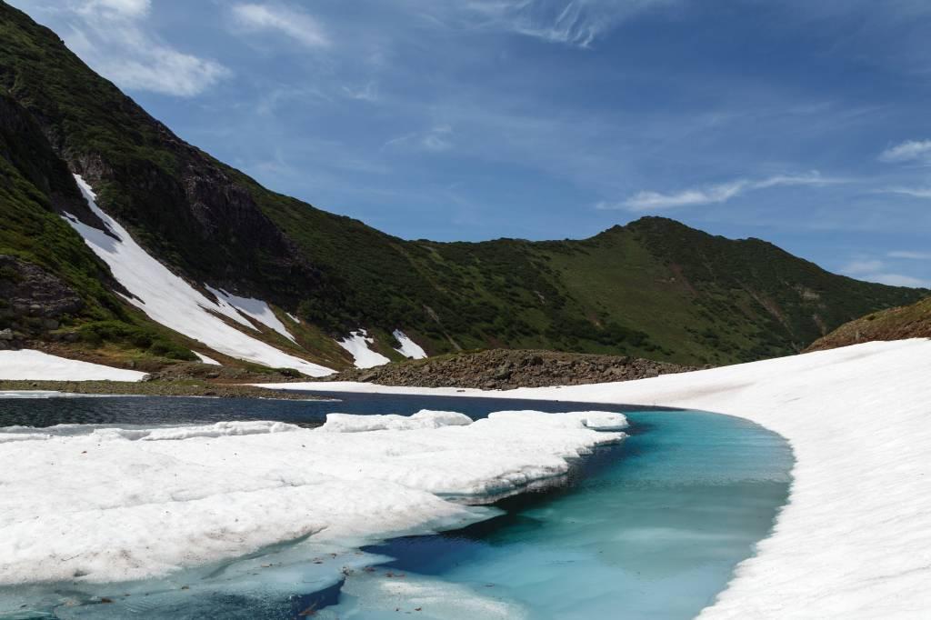 Lago Azul, em Kamchatka, na Rússia