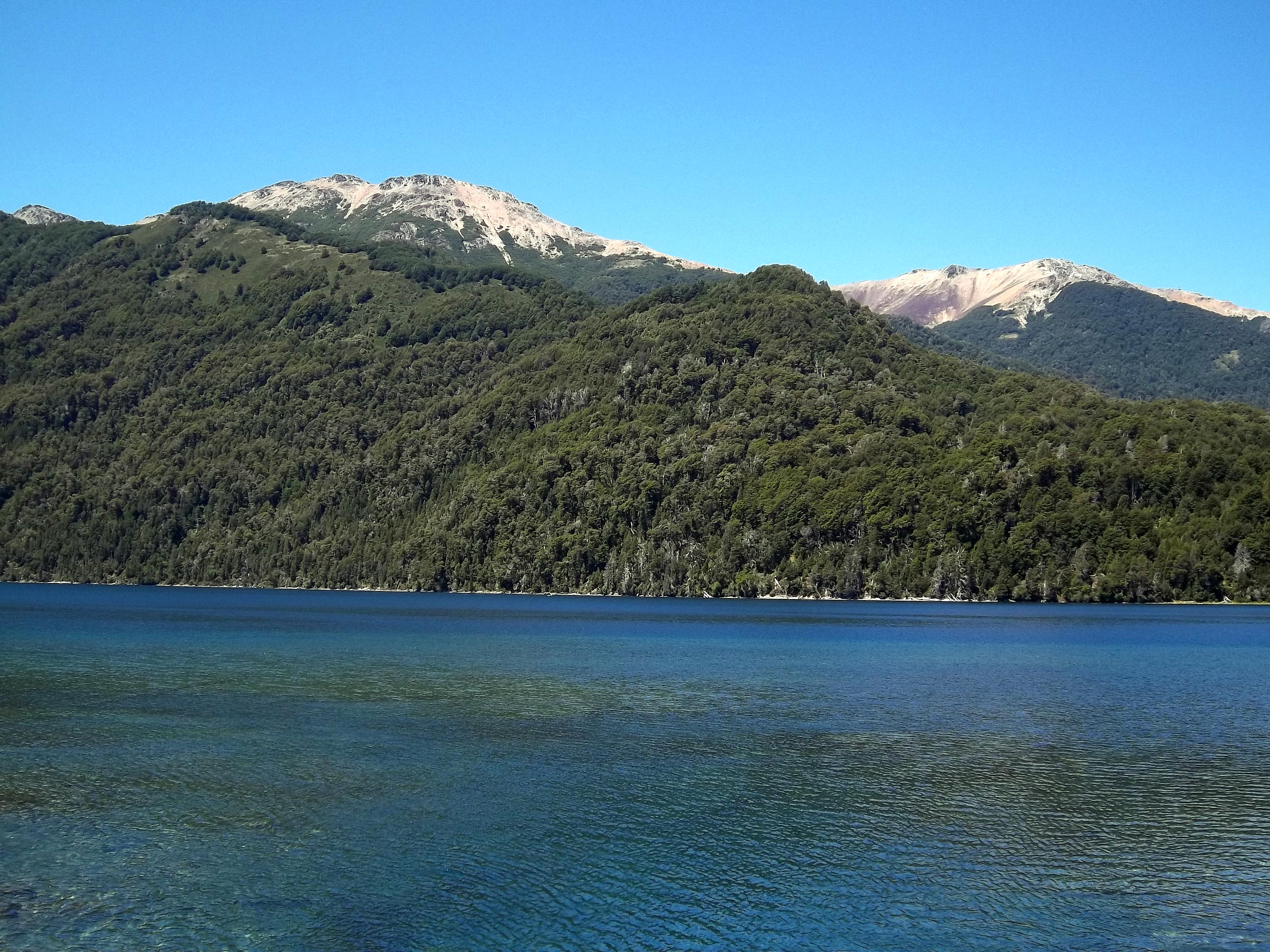 Lago Correntoso - Ruta de los Siete Lagos - Argentina - Wikimedia Commons - Dario Alpern