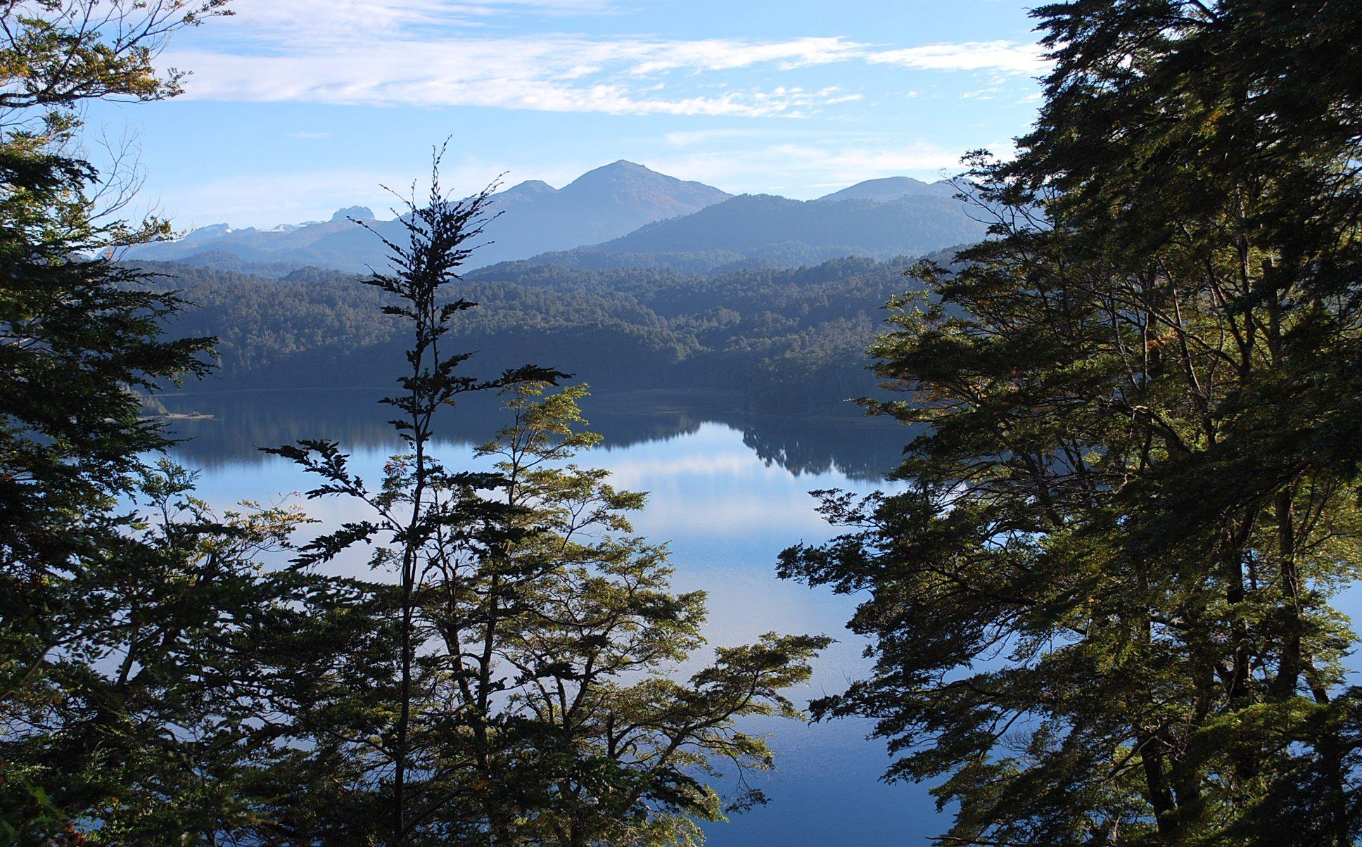 Lago Espejo - Ruta de los Siete Lagos - Argentina - Flickr - Abel Jorge