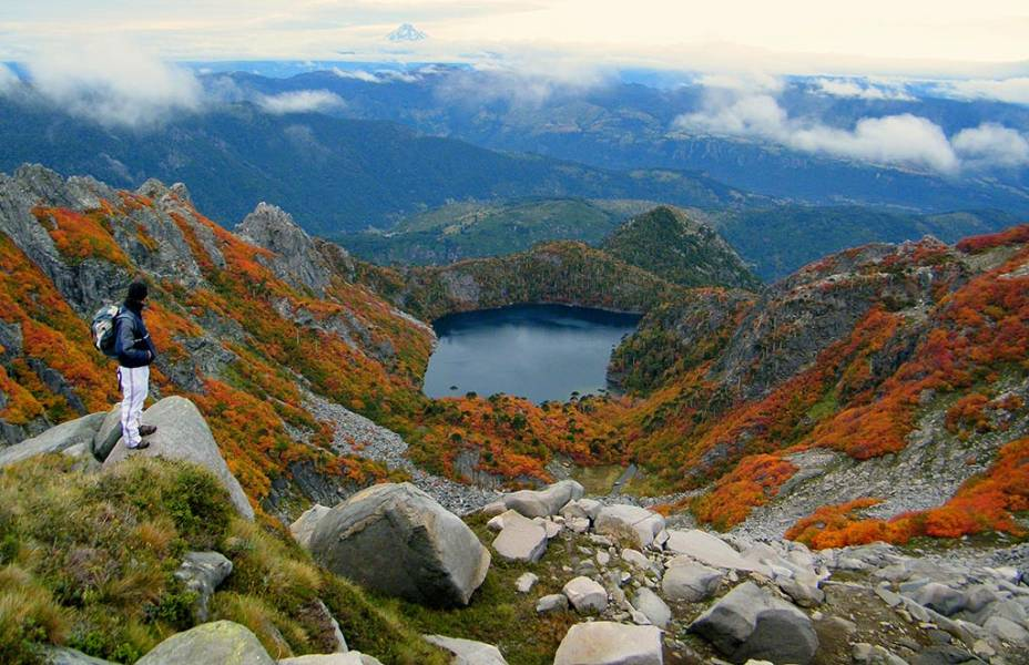 O Parque Nacional Huerquehue é uma das opções de passeios nas imediações de Pucón e Villarrica. O trekking é um dos grandes destaques por aqui, com mais de quinze quilômetros de subida