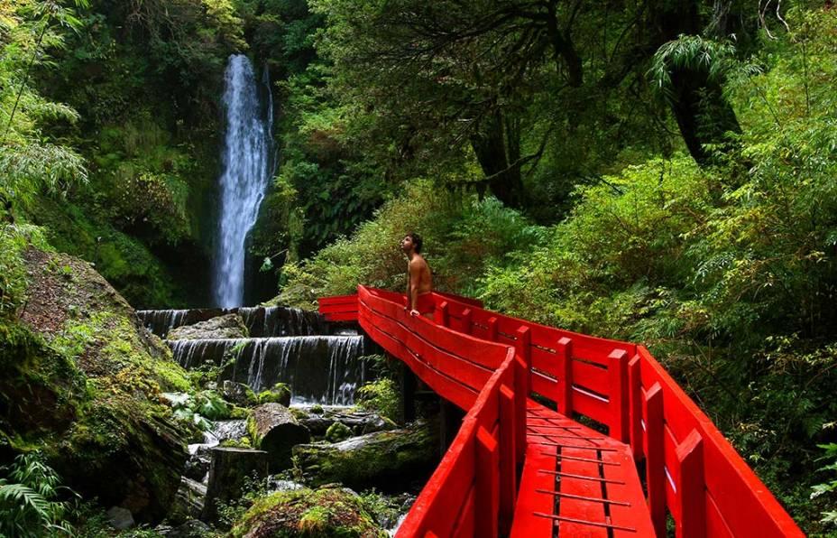 A bela região de Pucón está repleta de cenários privilegiados, como cachoeiras, passeios e fontes geotérmicas
