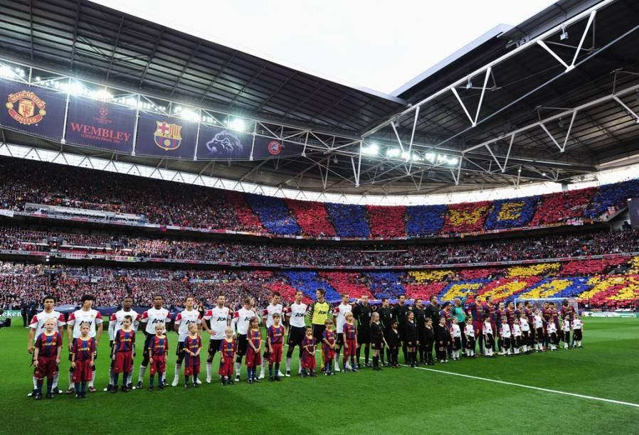 """<strong>4. UEFA Champions League</strong><br />  Esqueça a <strong>Libertadores</strong>. Tire do caminho o <strong>Mundial Interclubes da FIFA</strong>. Se há uma partida que interessa no calendário futebolístico anual, esta é a final da UEFA Champions League. Aqui não estão times esquisitos da <a href=""""http://viajeaqui.abril.com.br/paises/nova-zelandia"""" rel=""""Nova Zelândia """" target=""""_blank"""">Nova Zelândia </a>ou da <a href=""""http://viajeaqui.abril.com.br/paises/costa-rica"""" rel=""""Costa Rica"""" target=""""_blank"""">Costa Rica</a>, mas a nata de ligas de <a href=""""http://viajeaqui.abril.com.br/paises/espanha"""" rel=""""Espanha"""" target=""""_blank"""">Espanha</a>, <a href=""""http://viajeaqui.abril.com.br/paises/reino-unido"""" rel=""""Inglaterra"""" target=""""_blank"""">Inglaterra</a>, <a href=""""http://viajeaqui.abril.com.br/paises/franca"""" rel=""""França"""" target=""""_blank"""">França</a>, <a href=""""http://viajeaqui.abril.com.br/paises/italia"""" rel=""""Itália """" target=""""_blank"""">Itália </a>e <a href=""""http://viajeaqui.abril.com.br/paises/alemanha"""" rel=""""Alemanha"""" target=""""_blank"""">Alemanha</a>, entre outros. Simplesmente os melhores times, os melhores jogadores. Nada de meninos e astros gordos semi-aposentados.<br />  Foi neste palco que brilharam mestres como Alfredo di Stéfano, Zinedine Zidane, a dinastia do Ajax de Johan Cruyff, o poderoso Milan de Maldini, Van Basten e Baresi, e o Bayern de Franz Beckebauer. Maradona? Não, <em>la mano de diós </em>nunca levantou a taça de campeão.<br />  A edição deste ano ainda está nas oitavas-de-final, com equipes como Arsenal, Milan, Real Madrid, Chelsea e, é claro, Barcelona, lutando por uma vaga na grande final marcada para 19 de maio, no <strong>Fussball Arena de <a href=""""http://viajeaqui.abril.com.br/cidades/alemanha-munique"""" rel=""""Munique"""" target=""""_blank"""">Munique</a></strong>.<br />  <br />  <strong>Atualização: </strong>deu <strong>Chelsea</strong>, da Inglaterra, sobre os donos da casa, <strong>Bayern de Munique</strong><br />  <strong>Onde: </strong>Munique, Alemanha<br />  <stron"""