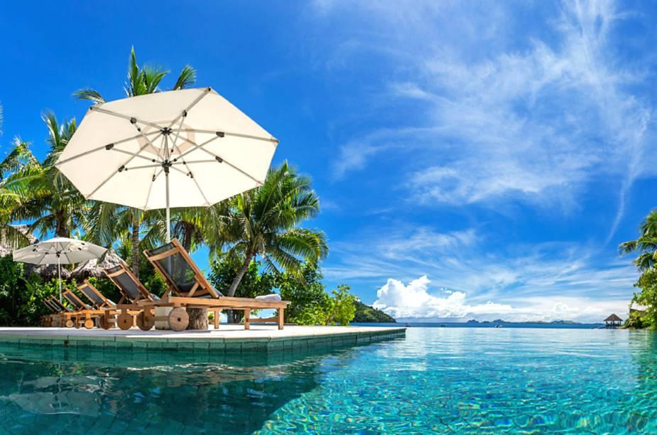 Com tratamentos à base de produtos naturais da ilha no spa do hotel e passeios de jet-esqui pela ilha de Modriki, onde o filme ´O Náufrago` foi filmado, o hotel oferece atrações para todos os gostos.