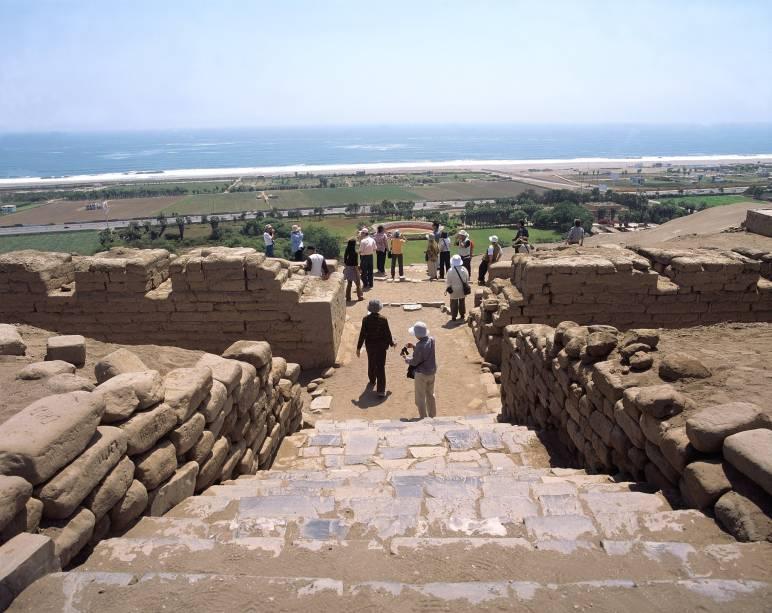 O sítio arqueológico de Pachacamac fica a cerca de 40 quilômetros de Lima, capital do Peru, e outrora foi um importante centro cerimonial da cultura lima, anterior aos incas