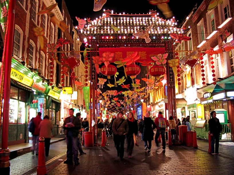 Decoração na Chinatown de Londres para receber as festividades do Ano-Novo Chinês