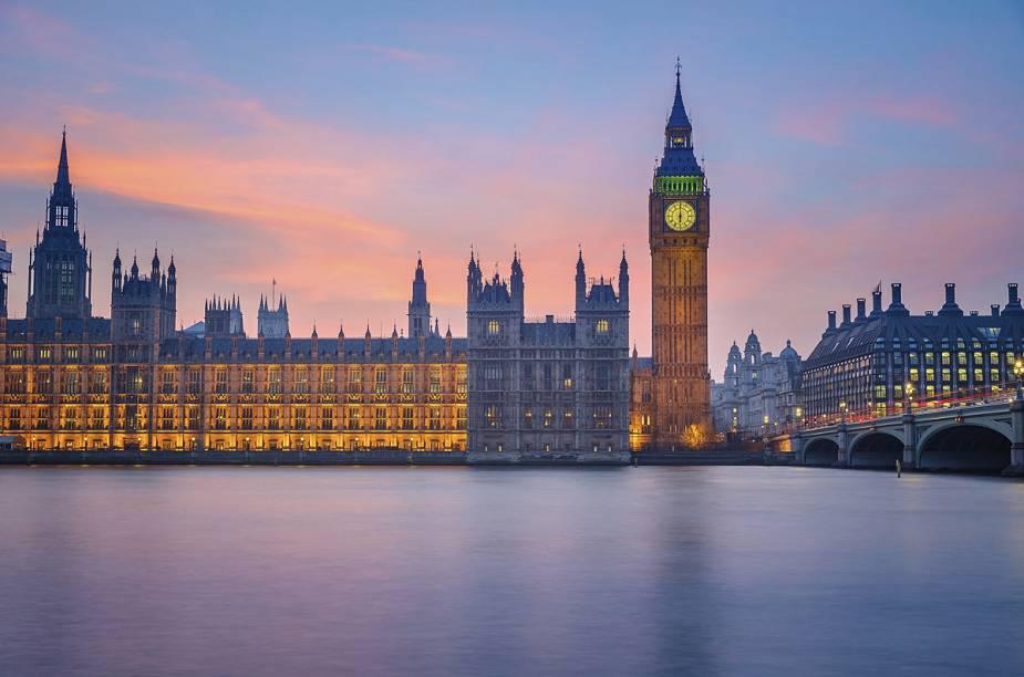 O Big Ben - o maior cartão-postal da cidade - e o prédio do parlamento do Reino Unido