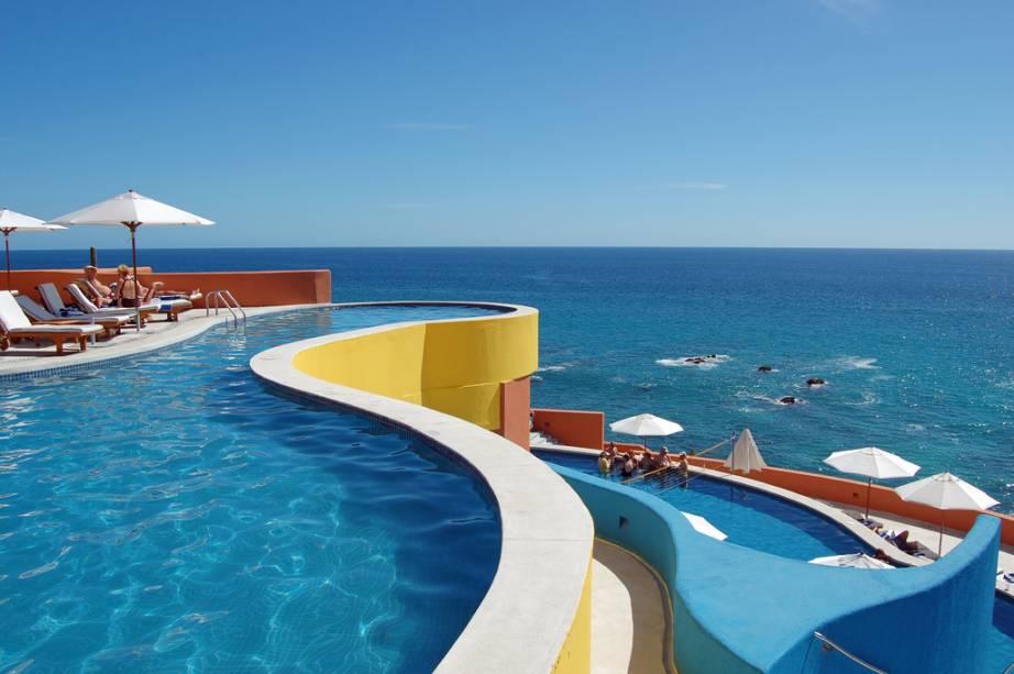 """O hotel tem lindas instalações e uma infraestrutura completa dedicada ao lazer. Piscinas e praias privativas ganham destaque entre os turistas. Na região, aproveite para conhecer lojinhas e restaurantes <em><a href=""""http://www.booking.com/hotel/mx/the-westin-resort-spa-los-cabos.pt-br.html?aid=332455&label=viagemabril-as-piscinas-mais-incriveis-do-mundo"""" target=""""_blank"""">Veja os preços do Westin Resort & Spa no Booking.com</a></em>"""