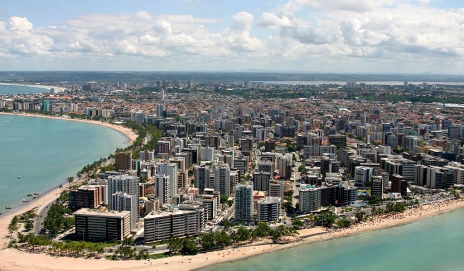 Maceió pode se gabar de ter o mar mais lindo entre as capitais do Nordeste. E também uma das orlas urbanas mais bonitas do Brasil, no trecho formado pela sequência das praias de Pajuçara, Ponta Verde e Jatiúca