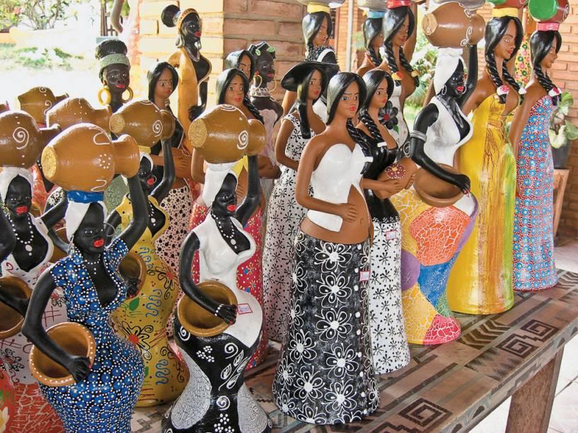 Todo mundo escolhe a Feira de Artesanatos da Pajuçara para comprar os tradicionais presentinhos de viagem. Encontra-se de tudo nas barraquinhas, de bonecas de cerâmica a chaveiros