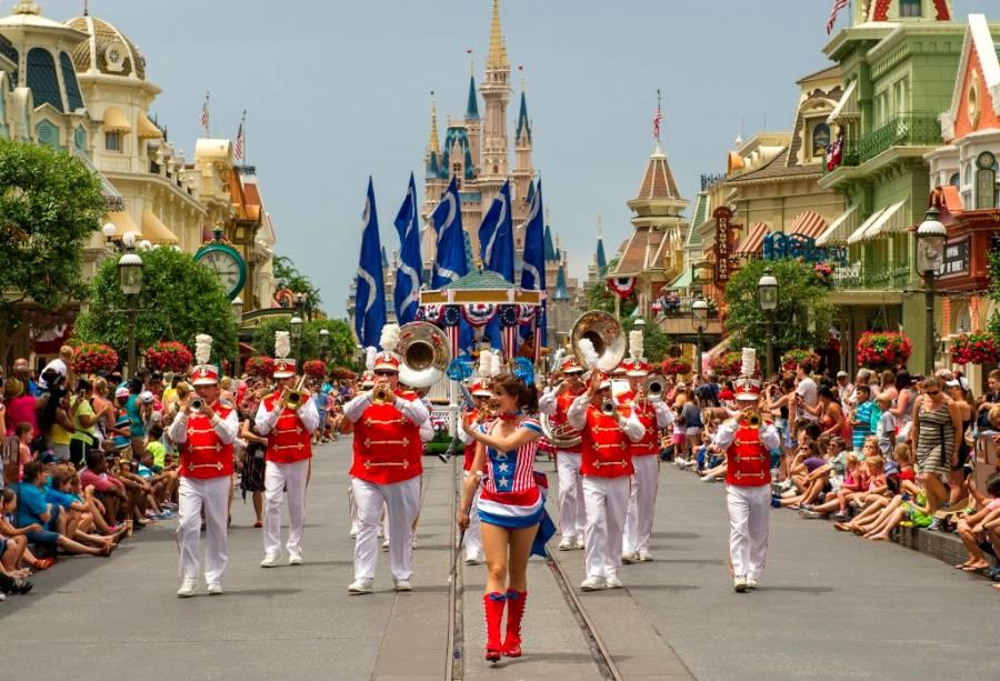 Parada do Independence Day no Magic Kingdom