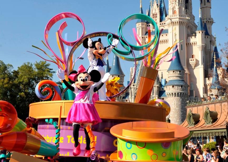 Uma das atrações mais tradicionais do Magic Kingdom são as paradas com os personagens do mundo Disney
