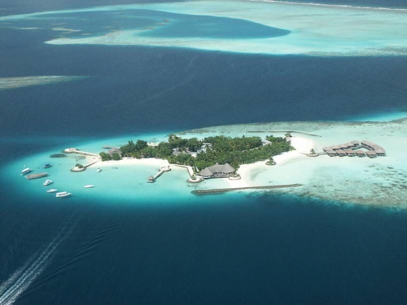 Pelo menos 80% do arquipélago localizado no oceano Índico está apenas um metro acima do nível do mar. De acordo com o levantamento da Co+Life, uma elevação brusca das águas poderia varrer do mapa esse paraíso de praias de areia branquinha, palmeiras e atóis de corais