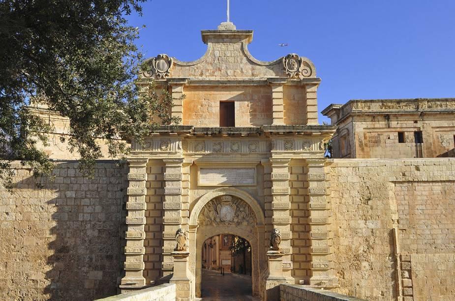 Portão da pequena cidade medieval Mdina, em Malta; Mdina, que fica no alto de uma colina, no centro da Ilha, já foi capital do país e locação da série Game of Thrones, do canal HBO