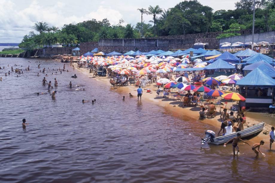 """<a href=""""http://viajeaqui.abril.com.br/estabelecimentos/br-am-manaus-atracao-praia-ponta-negra"""" rel =""""Ponta Negra Beach"""" Ziel =""""_leer"""">        Praia de Ponta Negra, a área mais bonita de Manaus (AM).  A faixa de areia só aparece entre julho e novembro, época da cheia, mas a orla tem vida própria com bares, shows e uma trilha para caminhada"""" class=""""lazyload"""" data-pin-nopin=""""true""""/></div> <p class="""