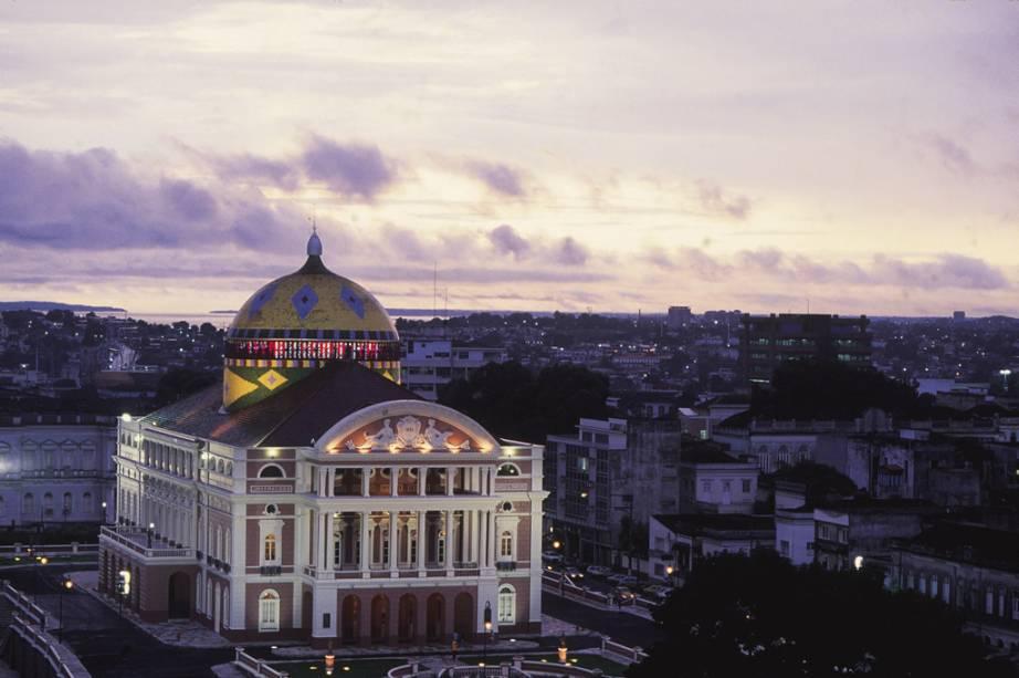 """<a href=""""http://viajeaqui.abril.com.br/estabelecimentos/br-am-manaus-atracao-teatro-amazonas"""" rel =""""Amazonas Theater"""" Ziel =""""_leer"""">        Teatro Amazonas em Manaus (AM)"""" class=""""lazyload"""" data-pin-nopin=""""true""""/></div> <p class="""