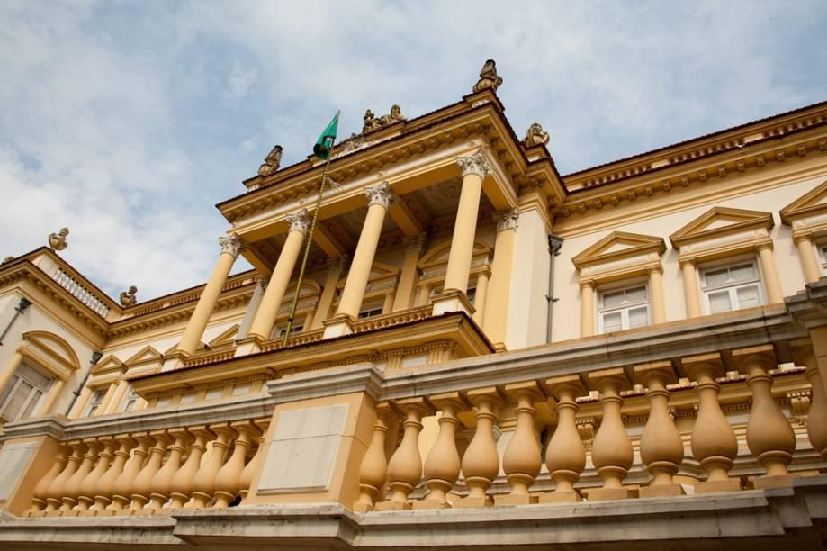 """<a href=""""http://viajeaqui.abril.com.br/estabelecimentos/br-am-manaus-atracao-palacio-da-justica"""" rel =""""Kulturzentrum des Justizpalastes"""" Ziel =""""_leer"""">        Centro Cultural Palácio da Justiça em Manaus (AM), atração duas estrelas pertencente ao""""http://viajeaqui.abril.com.br/materias/guias-guia-brasil-2012"""" rel =""""GUIA DO BRASIL 2012"""" Meta =""""_vazio""""> GUIA DO BRASIL 2012″ class=""""lazyload"""" data-pin-nopin=""""true""""/></div> <p class="""