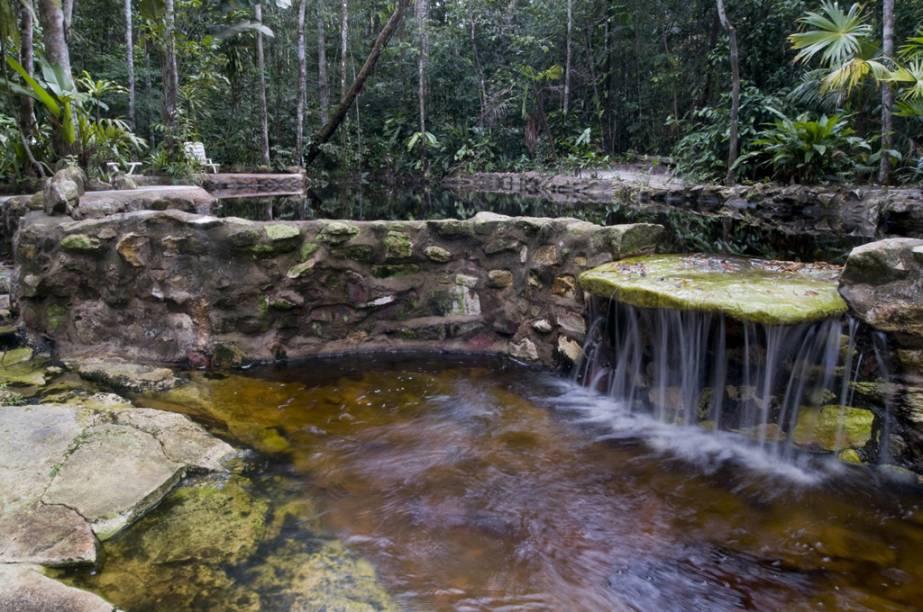 """Piscina natural do <a href=""""http://viajeaqui.abril.com.br/estabelecimentos/br-am-manaus-hospedagem-amazon-ecopark-lodge"""" rel=""""Amazon Ecopark Lodge"""" target=""""_blank"""">Amazon Ecopark Lodge</a>, atração única entre as hospedagens na selva de Manaus (AM). O hotel fica no Irarapé do Tarumã-Açu, às margens do Rio Tarumã"""