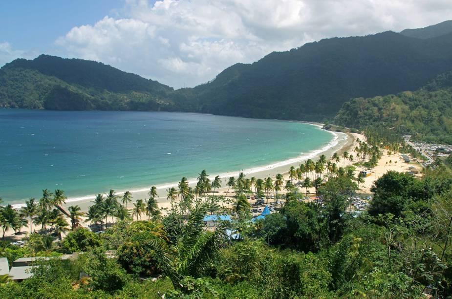 A praia de Maracas, localizada no norte da ilha de Trinidad, é a mais conhecida da ilha. É frequentada por locais e turistas.