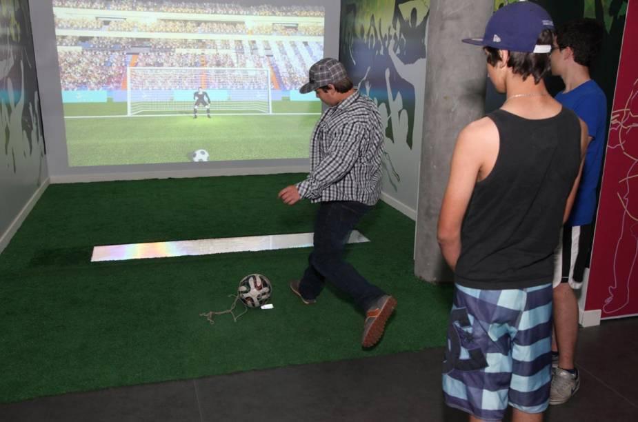 Uma das atrações do museu é o pênalti virtual, que mesura a velocidade da bola chutada pelos visitantes
