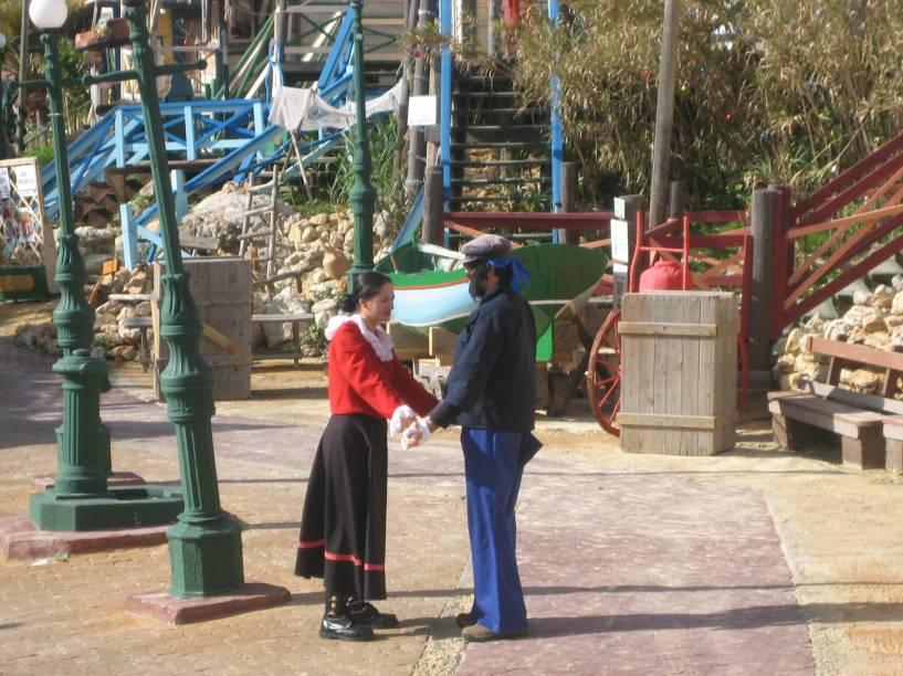 """Personagens de Popeye fazem apresentações no """"Popeye Village Fun Park"""""""