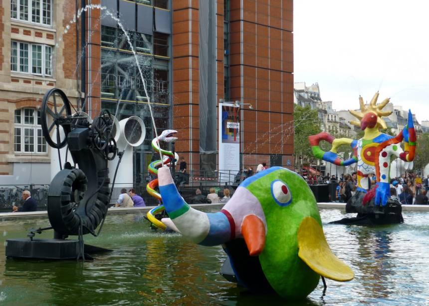 Fonte Stravinsky, junto ao Centro Pompidou