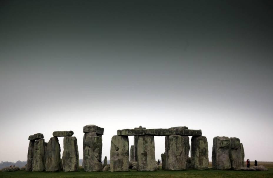 O monumento de Stonenhege fica próximo a Salisbury e seus mistérios continuam sendo motivo de longas discussões
