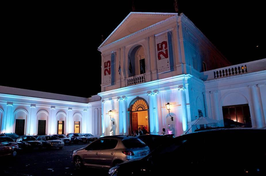 """<strong>19. <a href=""""http://viajeaqui.abril.com.br/estabelecimentos/br-sp-sao-paulo-atracao-museu-da-casa-brasileira"""" rel=""""Museu da Casa Brasileira"""" target=""""_self"""">Museu da Casa Brasileira</a>, <a href=""""http://viajeaqui.abril.com.br/cidades/br-sp-sao-paulo"""" rel=""""São Paulo"""" target=""""_self"""">São Paulo</a>, <a href=""""http://viajeaqui.abril.com.br/estados/br-sao-paulo"""" rel=""""SP"""" target=""""_self"""">SP</a></strong>                A antiga residência do ex-prefeito Fábio da Silva Prado reúne em seu acervo móveis e objetos que marcaram a identidade das casas brasileiras desde o século 17. Entre eles: a réplica do oratório de D. Maria I, móveis antigos bem conservados e objetos que pertenceram aos antigos proprietários da casa (o próprio Fábio e sua esposa Renata Crespi)"""