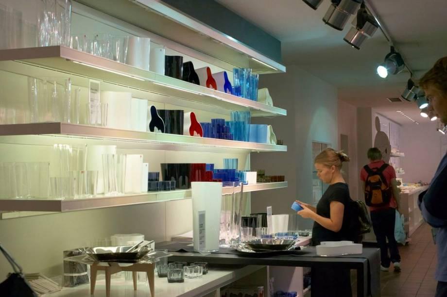 Helsinque está repleta de boas opções de compras de artigos para o lar, com algumas das melhores lojas de design - algumas bem acessíveis - do mundo.