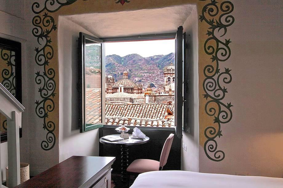 """<strong>Hotel Belmond</strong><a href=""""http://www.booking.com/hotel/pe/palacio-nazarenas.pt-br.html?aid=332455&label=viagemabril-peruVT227"""" rel=""""Express Belmond Palácio Nazarenas"""" target=""""_blank"""">Express Belmond Palácio Nazarenas</a>, construído em um antigo convento espanhol, com acomodações contemporâneas, muitas obras de arte e serviço impecável"""