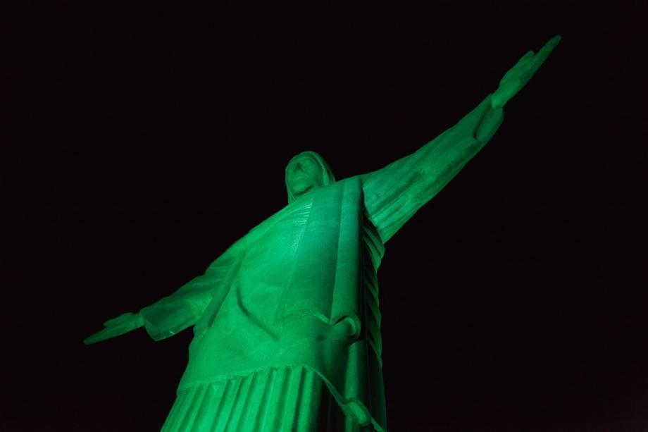 <strong>Rio de Janeiro</strong><strong>—</strong><strong>Cristo Redentor</strong>O monumento ícone do Rio de Janeiro é iluminado desde 2013, quando o <em>Greening </em>chegou ao Brasil