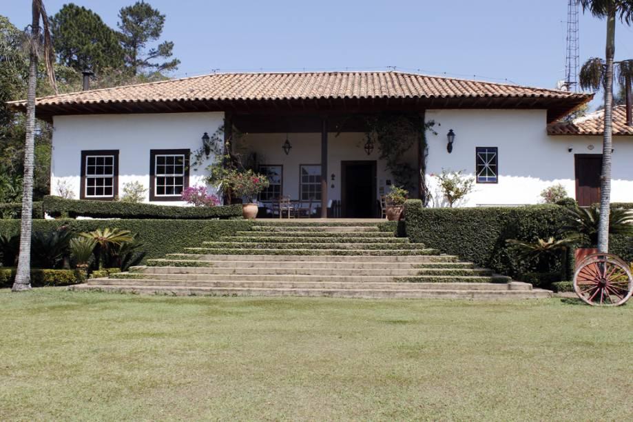 A recepção do Hotel Fazenda Capoava é o antigo casarão do século 18, feito de taipa de pilão
