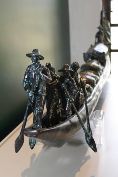 A escultura de batelão de monção é o único objeto do Espaço Memória que não faz parte do acervo da fazenda. Encomendada, a obra de arte representa as antigas embarcações bandeirantes, que exploraram a região navegando pelo Ribeirão Concórdia