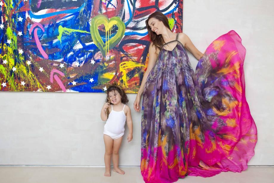 A atriz Monica Martelli com a filha Júlia