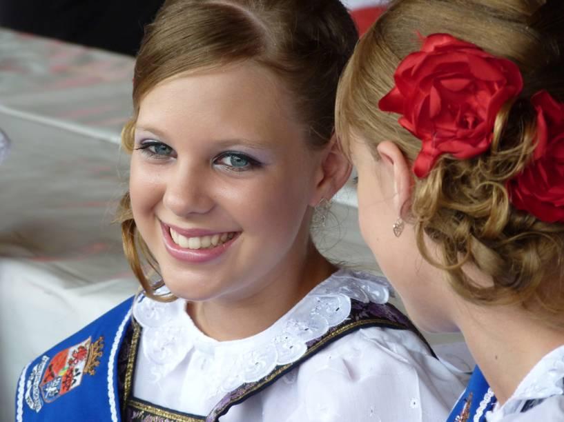 Rainhas e princesas são eleitas para a Festa Pomerana