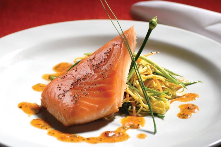 """<a href=""""http://viajeaqui.abril.com.br/estabelecimentos/br-mg-belo-horizonte-restaurante-vecchio-sogno"""" rel=""""Vecchio Sogno - Belo Horizonte (MG)"""" target=""""_self""""><strong>Vecchio Sogno </strong></a><a href=""""http://viajeaqui.abril.com.br/estabelecimentos/br-mg-belo-horizonte-restaurante-vecchio-sogno"""" rel=""""Vecchio Sogno - Belo Horizonte (MG)"""" target=""""_self""""><strong>–</strong></a><a href=""""http://viajeaqui.abril.com.br/estabelecimentos/br-mg-belo-horizonte-restaurante-vecchio-sogno"""" rel=""""Vecchio Sogno - Belo Horizonte (MG)"""" target=""""_self""""><strong> Belo Horizonte (MG)</strong></a>Com ambiente sofisticado, o cardápio aposta em receitas clássicas e nas criações do chef Ivo Faria, como o salmão com tagliolini e filamentos de legumes. A maioria das massas, assim como os pães, é preparada no próprio restaurante. A completa carta de vinhos reúne mais de 240 rótulos"""