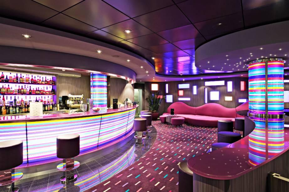 """Bar do MSC Splendida, navio que levará os viajantes no cruzeiro """"Wine Cruises"""""""