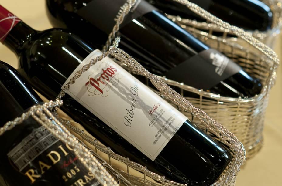Vinhos espanhois, italianos, franceses e tunisianos estão no cardápio