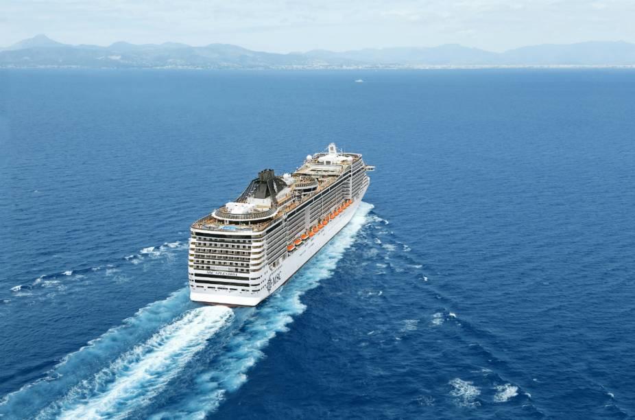 Vista aérea do navio MSC Splendida, da MSC Cruzeiros