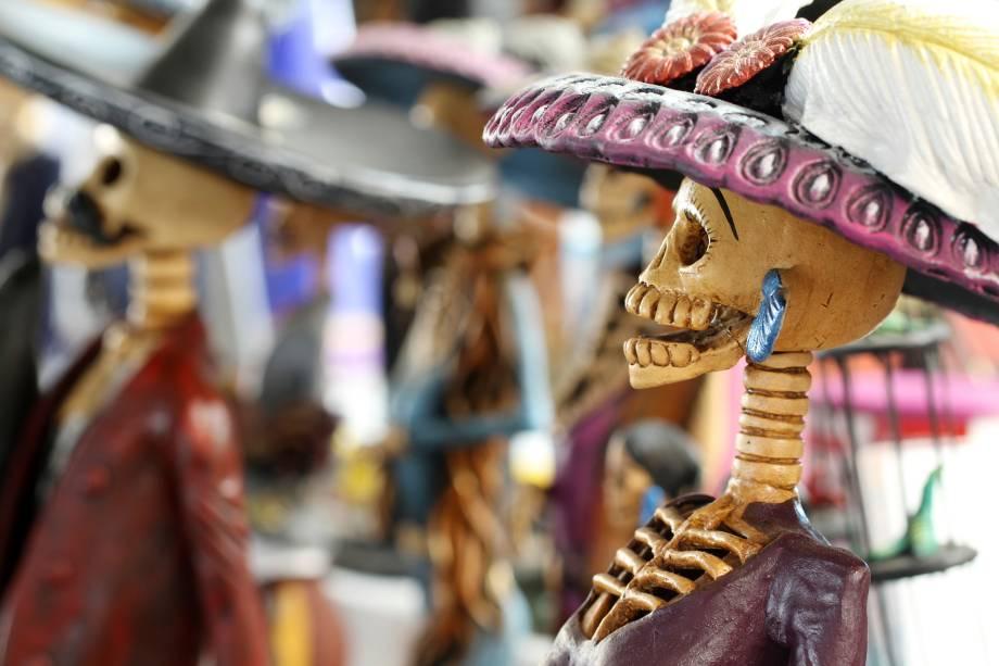 Enfeites e adornos temáticos tomam conta das cidades mexicanas em celebração ao Dia dos Mortos