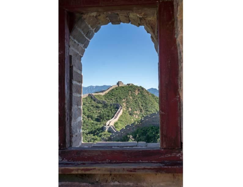 """<strong><a href=""""http://viajeaqui.abril.com.br/estabelecimentos/china-pequim-beijing-atracao-grande-muralha-da-china"""" rel=""""Muralha da China"""" target=""""_blank"""">Muralha da China</a>, <a href=""""http://viajeaqui.abril.com.br/cidades/china-pequim-beijing"""" rel=""""Pequim"""" target=""""_blank"""">Pequim</a>, <a href=""""http://viajeaqui.abril.com.br/paises/china"""" rel=""""China"""" target=""""_blank"""">China</a></strong>                A Grande Muralha da China pode ter escapado dos unos, mas não escapa delas, as janelas"""