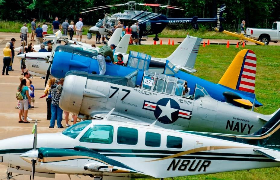 O National Air and Space Museum de Chantilly, VA, oferece programas regulares para crianças